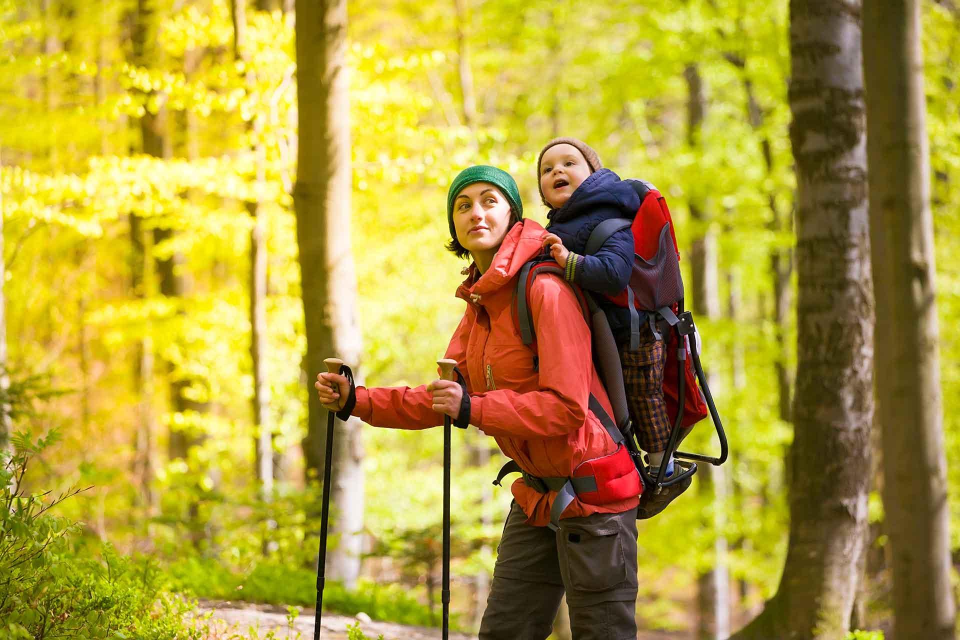 Comparatif des meilleurs porte-bébés de randonnée : avis et tests